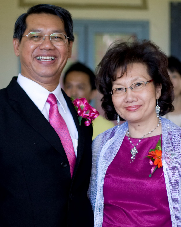Senior Pastor: Lee Lee Dusing (right)